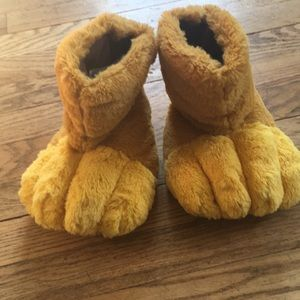 Disney store exclusive lion slippers
